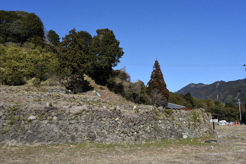 小島陣屋井戸跡付近